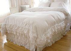 Shabby Chic Bed Dust Ruffles | shabby chic style bedding, white ruffle duvet, ***** LOVE - sooo feminine!! ~s