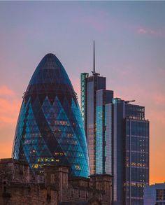The Gherkin, London.-