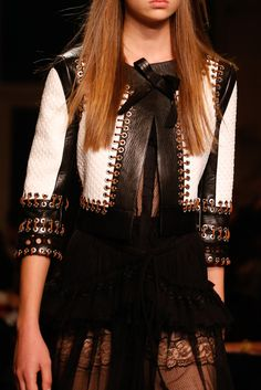 Givenchy Spring 2015 Ready-to-Wear Fashion Show Details