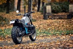 In a sea of identikit BMW boxer customs, here's something different. This retro-futuristic scrambler from Renard hits the mark effortlessly.