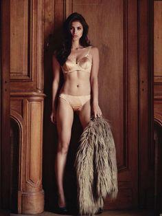 csebastian: Rogue Magazine, October 2011 (+) photographer: Mark Nicdao Anne Curtis HM
