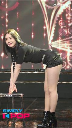 South Korean Girls, Korean Girl Groups, Brave Girl, Pretty Asian, 2pac, Mamamoo, Asian Style, Girls Generation, K Idols