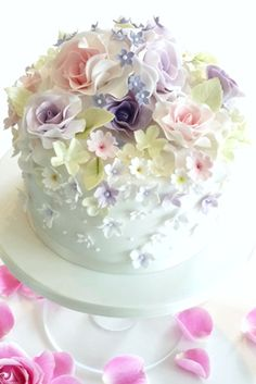 Rachelles Beautiful Bespoke Cakes Such a delicate, very pretty cake.