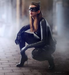 Anne Hathaway would like to return to the DC Universe as Catwoman - Source…