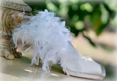 SHOE CLIPS White / Red / Black / Ivory Feathers. by sofisticata