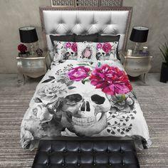 Lightweight Skull Bedding Black & Pink Skull Print por InkandRags
