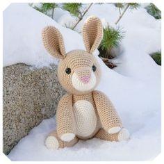 Gratis haakpatronen van Jess Huff | Een Mooi Gebaar Crochet Patterns Amigurumi, Crochet Dolls, Loom Knitting, Baby Knitting, Knitted Bunnies, Easter Toys, Rabbit Toys, Easter Crochet, Stuffed Toys Patterns