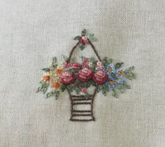 Embroidery Sampler, Embroidery Flowers Pattern, Embroidered Flowers, Flower Patterns, Embroidery Stitches, Hand Embroidery, Crazy Quilt Stitches, Hand Work Blouse Design, Quilt Stitching