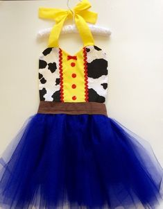 Toy Story's Jessie inspired apron is fun for dress up, themed birthday parties, tea parties, cooking with mom and dad, or a Halloween costume. Jessie Toy Story Costume, Jessie Costumes, Toy Story Costumes, Toddler Costumes, Tutu Costumes, Jessie From Toy Story, Costume Ideas, Toy Story Halloween, Halloween Toys