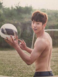 Oh okay m fine absolutely fine alright Nam Joo Hyuk Abs, Nam Joo Hyuk Smile, Jong Hyuk, Handsome Asian Men, Sexy Asian Men, Asian Actors, Korean Actors, Nam Joo Hyuk Wallpaper, Park Bogum
