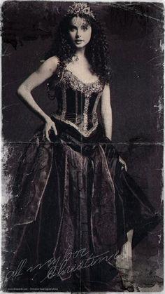 Sarah Brightman as Christine from 'The Phantom Of The Opera'. Publicity photograph, circa 1986.