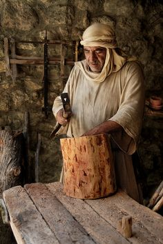 The Woodworker. Israel I have a picture with this man!