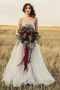 Купить или заказать Свадебная фотосессия в Тоскане в интернет-магазине на Ярмарке Мастеров. Итальнская фотосессия молодоженов! Декор стола, сервировка, торт ручной работы, букет невесты, авторское платье. Все это только для чудесной влюбленной пары..