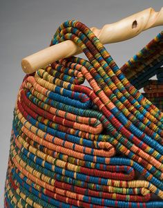 New Cheap Bags. Types Of Bags Every Woman Needs To Own. Rope Basket, Basket Weaving, Pine Needle Baskets, Woven Baskets, Fabric Bowls, Rope Art, Rope Crafts, Yarn Bowl, Fabric Manipulation