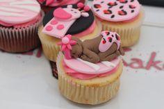 Fondant baby kakes  #baby #pink #cupcakes