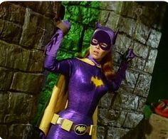 'Yvonne Craig' as 'Batgirl' on the 'Batman TV Series' Batman Robin, Batman 1966, Im Batman, Batman Comics, Gotham Batman, Batman Art, Yvonne Craig, Dc Batgirl, Batwoman