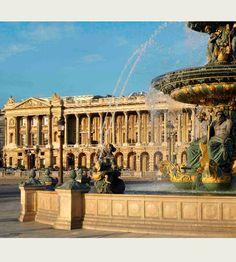 Romántico París: La Ciudad de la Luz luce su mejor cara en primavera.