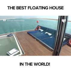 Architecture watch what's inside this floating house especially the bedroom. Floating Architecture, Houseboat Living, Seattle Homes, Unique House Design, Floating House, Cozy Place, House Goals, Beach House Decor, Bedroom