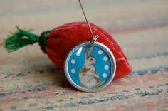 Rabbit charm created in the studios of Diddy Wa Diddy.