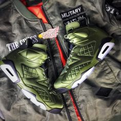 Air Jordan 6 Pinnacle (Flight Jacket)