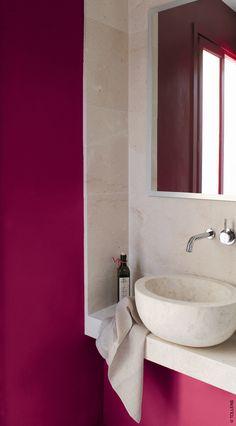 mur peinture Rouge griotte by Tollens et vasque et dalle en pierre de bourgogne