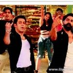 The Bollywood two superstars come together in one song from the film Fugly's title track. Salman Khan and Akshay Kumar are seen together in this newtitle track of Fugly along with the some new starsMohit Marwah, Vijender Singh, Kiara Advani, Arfi Lamba...