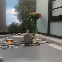 We're firm believers in taking some time out for self-care and pampering. What better way to do it than settling in to a refreshing bubble bath - complete with a custom bath rack to hold your favourite toiletries (and glass of your favourite refreshment)? We know that not all bathtubs are the same, which is why our bespoke stainless steel bathroom accessories are tailored for every order, with custom sizing and interchangeable fixings. Bath Rack, Bathtubs, Bubble Bath, Brushed Stainless Steel, Bathroom Accessories, Bespoke, Glass Vase, Home Decor, Taylormade