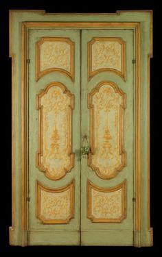 Porta antica dipinta riprodotta