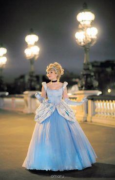 Disney´s Animation Movies: Cinderella. Character: Ella: Version. Ball Gown. Cosplayer: Laura Salviani 'aka' Nikita 'aka' Tomoyochan. From: Nimes, Paris, France. Events: Otakufest (Belgium) 2012 & Japan Expo 2012 & 2014.  Photo: Omaru.