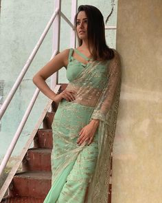 Here we have for you 15 of the most stylish Blouse Designs and saree from the stylish star Anita Hassanandani wardrobe that'll make your jaw drop. Saree Jacket Designs, Saree Blouse Patterns, Sari Blouse Designs, Saris, Bollywood Designer Sarees, Stylish Blouse Design, Saree Trends, Stylish Sarees, Saree Look