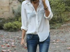 Love this simple style with simple accessories