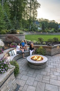 60 Amazing Deck Designs To Make Your Home Extremely Awesome #deckdesign #amazingdeckdesign #awesomedeck : solnet-sy.com Backyard Seating, Backyard Patio Designs, Fire Pit Backyard, Deck Patio, Patio Table, Back Yard Patio Ideas, Backyard Ideas, Stone Patio Designs, Curved Patio