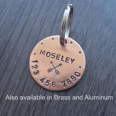 This dog tag can be purchased in Copper, Brass, or Aluminum. All metals are 18 gauge. The dog tag in the photo is 1 1/8 in diameter.  ***FONT SIZE