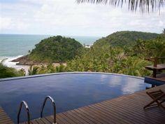 Linda Casa Com Vista Mar Em Itacaré - Construído em um terreno de 1000m2, com vista da deslumbrante praia de São José. Piscina com deck