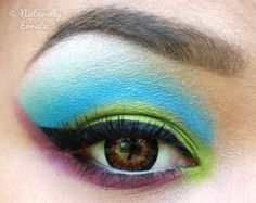 blue/green eyeshadow  STUNNING