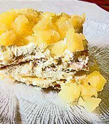 Soda Cracker Dessert. http://www.quick-german-recipes.com/easy-flaky ...