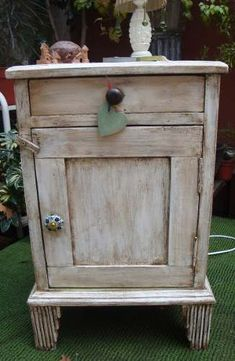 Muebles on pinterest mesas towel bars and pot lids - Restaurar mueble de madera ...