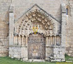 Villaldemiro (Comarca de Odra-Pisuerga, Burgos). La iglesia de este pueblo burgalés luce una bellísima portada de estilo gótico digna de ser visitada. #arteviajero #gótico #burgos #castillayleon