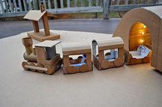 Juguetes con cajas de cartón recicladas