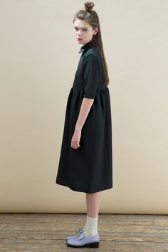 FREE WORLDWIDE SHIPPING when you type code FRYUP at checkout TWP Classic Smock has been reinvented with our latest Oversized Midi Smock Dress with Collar Black http://www.thewhitepepper.com/collections/dresses/products/oversized-midi-smock-dress-with-collar-black #TWP