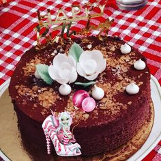 #dessert #patisserie #trianon #royalchocolat #dacquoise #dacquoisenoisette #praliné #pralinécroustillant #moussechocolat #homemade #homadefood #homemadecooking #instafood #douceursucrees Dessert, Drizzle Cake, Gentleness, Deserts, Postres, Desserts, Plated Desserts