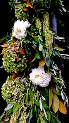 Wedding at the Grand Hyatt Melbourne. Flowers and styling by Capote & Peachy. Garland details