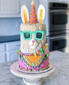 😆 💃🏻 🎉 Wishing you a day as fabulous as this party Llama cake by Spotted over on We have… Crazy Cakes, Cool Birthday Cakes, Birthday Parties, Birthday Ideas, Happy Birthday, Fete Emma, Llama Birthday, Animal Cakes, Cake Decorating Techniques