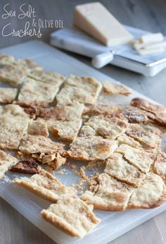 Homemade sea salt and olive oil crackers. Impress your guests with these super easy to make and delicious crackers! Water Crackers Recipe, Salt Crackers, Olive Oil Biscuits, Savoury Biscuits, Savory Pancakes, Homemade Crackers, Homemade Pasta, British Baking, Easy Food To Make