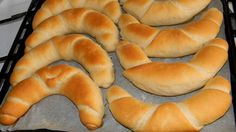 Tejes kifli Bread Dough Recipe, Hungarian Recipes, Best Food Ever, Baking And Pastry, Hot Dog Buns, Bagel, Hamburger, Recipies, Food And Drink
