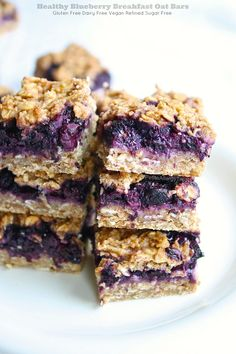 Healthy easy Gluten Free Blueberry Breakfast Oat Bars. Refined sugar free, these flourless whole grain bars are food allergy friendly, dairy free and vegan