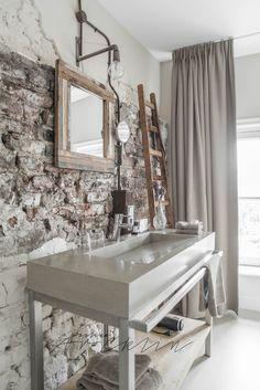 bathroom | © Paulina Arcklin | HOTEL MOTHER GOOSE, Utrecht