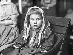 ellis island immigrant photos American Life, American History, Vintage Photographs, Vintage Photos, Vintage Postcards, Lewis Wickes Hine, Ellis Island Immigrants, Portraits, Village People