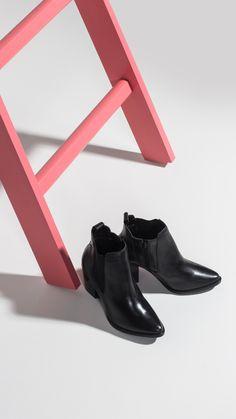 Modelos incríveris para o inverno 2017. Vem espiar as nossas novidades supertrends e apreoveitar nossos preços ;)  #feirao #shoes #calçados #bota