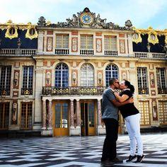 Momento especial no Palácio de Versailles França. #versailles #chateau #chateaudeversailles #palacio #palace #monarch #paris #frança #france #europe #europa #myworld #tourist #tourism #vacation #ferias #viagem #trip #travel #photooftheday #fotododia #youtube #youtubechannel #patriciaviaja